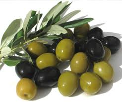 Black & Green Olives!